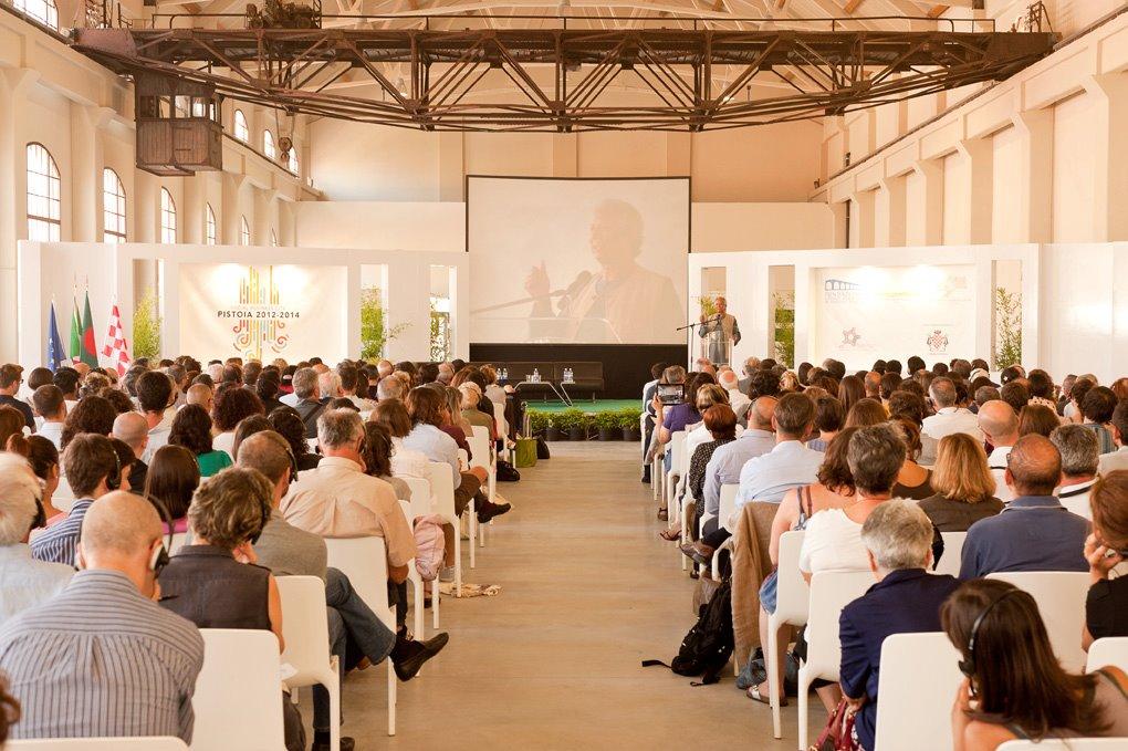 Yunus a Pistoia durante il Social Business day